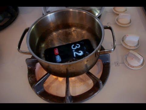 iPhone5 耐久テスト動画 沸騰したお湯